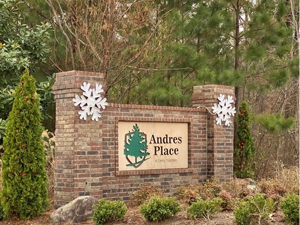 Entrance to Andres Place around the holidays