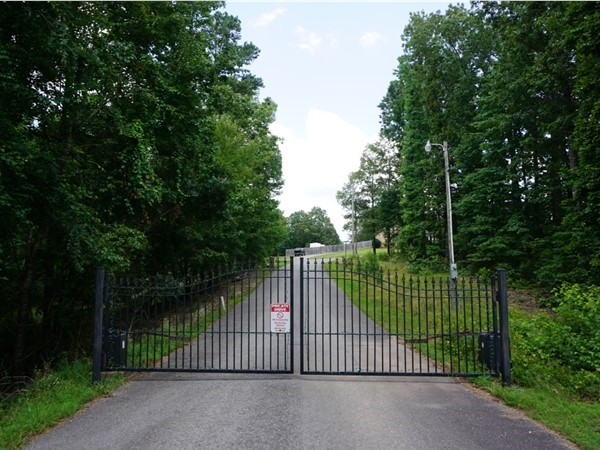 Gated entrance to Lakeside Mountain in Alexander located in Pulaski County