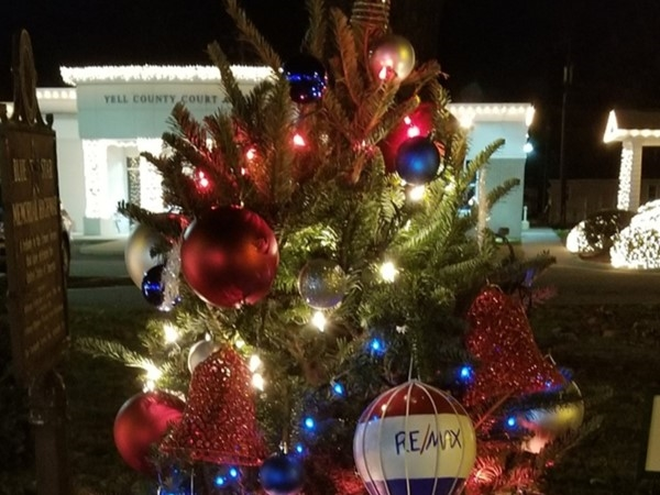My RE/MAX tree at the Yell County Courthouse is decorated and lit
