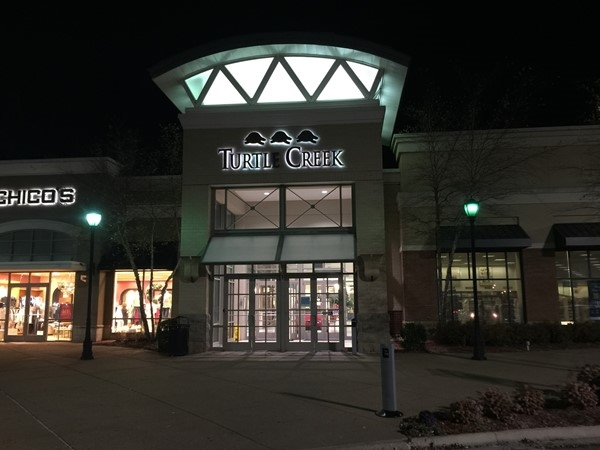 Turtle Creek Mall provides hundreds of shopping places