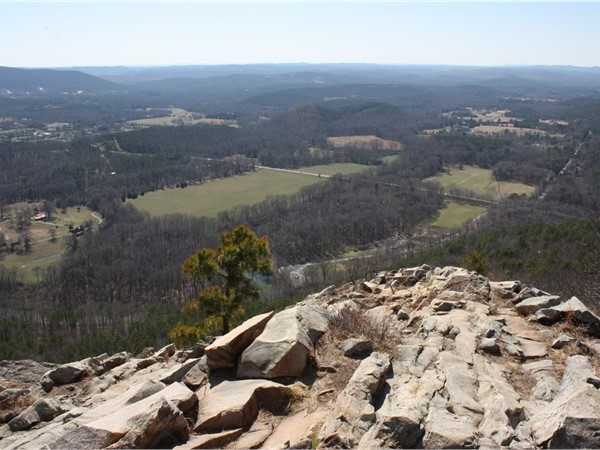 Pinnacle Mountain State Park is a short drive from Pinnacle Estates! Hiking, parks, picnics, fun