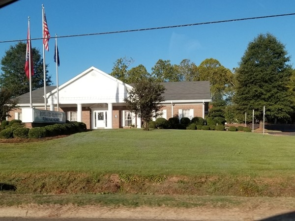 Roller-McNutt Funeral Home on Highway 65