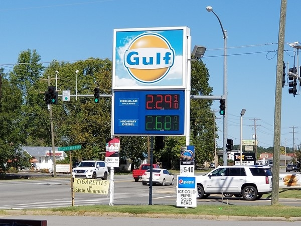 Current gas prices in Greenbrier on Highway 65