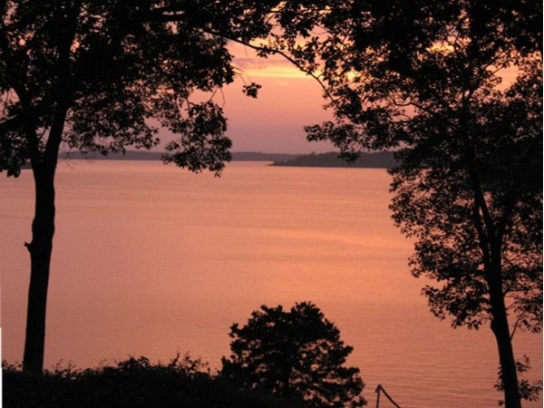 Sunset on beautiful Greers Ferry Lake