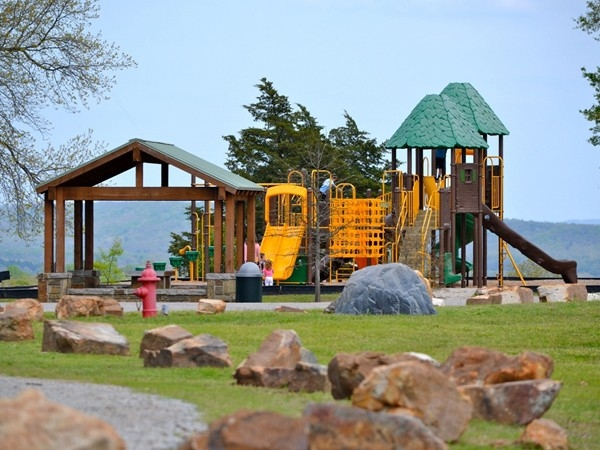 Bell Park has great walking trails, picnicking, playgrounds, and gorgeous views