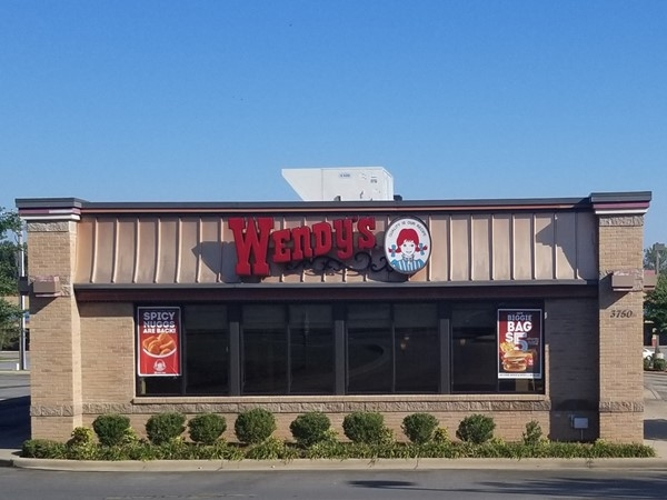 Wendy's fast food near Crosspoint on Dave Ward in Conway
