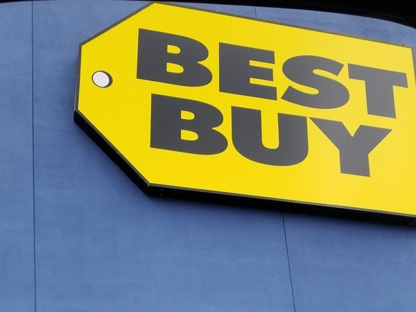 Best Buy near Indian Hills and Arrowhead Manor on McCain Boulevard in Little Rock